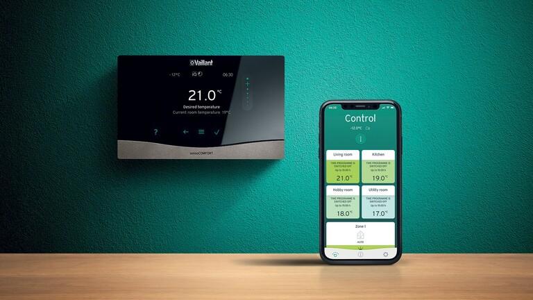 Regulátor sensoCOMFORT a aplikace sensoAPP v chytrém telefonu